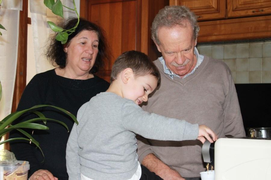 Francesco con i nonni sardi