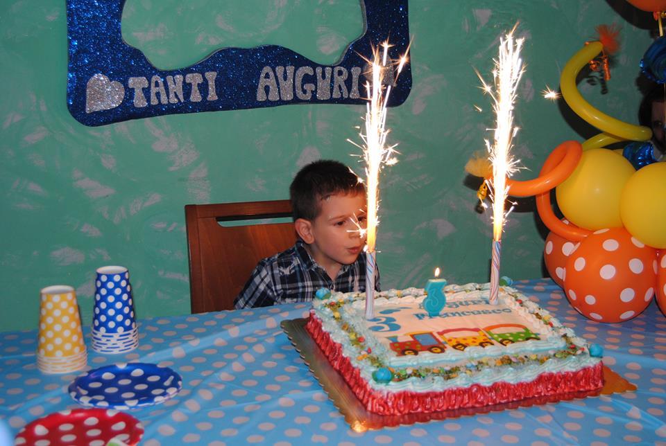 festa di compleanno di tre anni